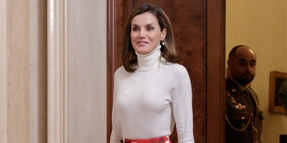 被西班牙王后宠爱,拯救无数梨形身材的伞裙究竟有什么魔力