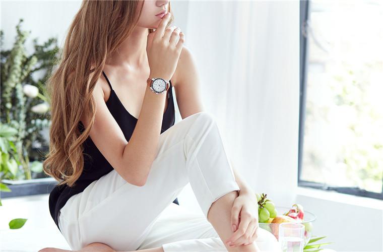 人类唯一在月亮上使用过的腕表 不再是男人专利